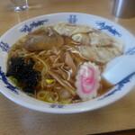 石山食堂 - 料理写真:ワンタン麺