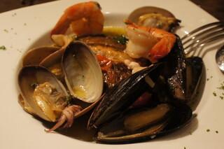 クロッキオ - 真鯛のポワレ、色々魚介のアクアパッツァ仕立て