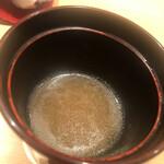 鮨 さかい - ボタン海老の頭のお味噌汁
