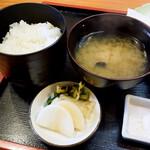 天銀 - ご飯と味噌汁と漬物