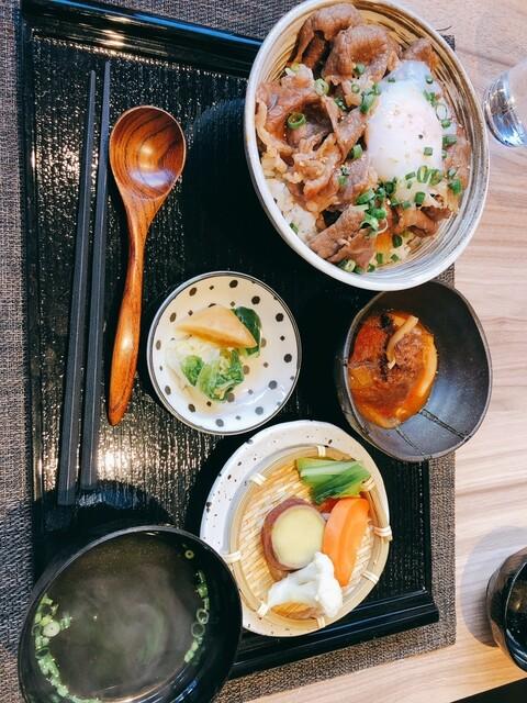 肉割烹 肝心屋 浜田山店の料理の写真