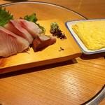 お食事処・居酒屋 竜田屋 - 寒ブリの刺身、出汁巻玉子