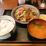あたみ食堂 - 料理写真:レバニラ炒め定食