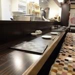 遊食亭 ばり博多 - カウンター席