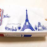 125063623 - フランスのエッフェル塔、青、赤、白のフランス国旗カラーがおしゃれな紙袋。