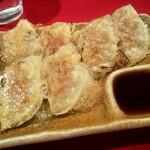 らあ麺と餃子のお店 たか和 - 餃子は小ぶりでした