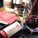 炭火焼肉 ごえ門 - 旨みの濃いメス牛にはワインが良く合います