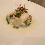 125073555 - メイン(魚料理):本日の魚介を使った一品