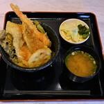 天からてん - 天から天丼+味噌汁840円
