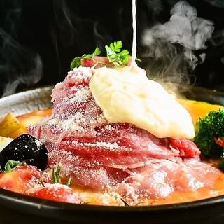 再開しました!肉タワー×とろーりチーズのトマトチーズ肉鍋