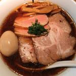 RAMEN にじゅうぶんのいち - 料理写真:特製醤油そば(1320円)