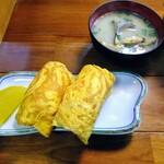 Dontaku - 卵おにぎり、貝汁