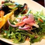 タベルナ カディス - プレートのサラダ部分