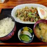 芭蕉亭  - 料理写真:野菜炒め定食