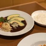 VILLA ROSSO TRE - カリフォルニア風バーグ(サラダ、ライス、スープ、ドリンク付き)1,350円(税別)