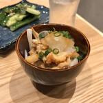本田商店 - ・炙り鶏皮ポン酢(センベロでチョイス)