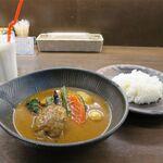 スープカレー lavi  - ハンバーグto野菜カレー(1,240円)