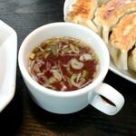南京亭 - チャーハンに付くスープ