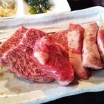 焼肉・てっちゃん鍋 銀衛見 - 焼肉ランチのお肉♡♡ 意外とボリュームあります(º∀º)!