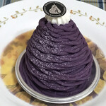 125140069 - 見た目から紫いもと分かるモンブラン!