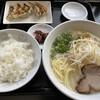 Kimiyoshi - 料理写真:ラーメン・ぎょうざセット1000円。 ラーメンは3種類から選べます。この日は藻塩ラーメン。