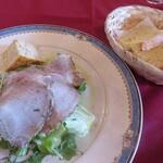 トスカーナ - サラダ&パン