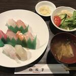 炭火焼 海輪亭 - 料理写真:にぎり寿司定食=1700円 税込