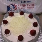 ミセス・マーコのアメリ感・アメリ館 - 小ぶりのイチゴが可愛い【レアチーズケーキ】