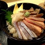 鮨・酒・肴 杉玉 - 炙り海鮮丼 ¥950 (税込)