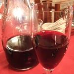 白い小屋 - 赤ワイン