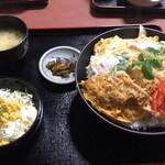 とり八 - 料理写真:ジャンボかつ丼
