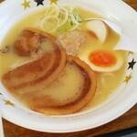 ラーメン イロドリ - 卵がすごい美味しいんです!