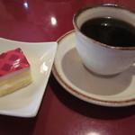 12520330 - ミニケーキと珈琲 (パスタランチについてきます。)
