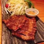 一品料理 ひとしな - 仙台牛ステーキ