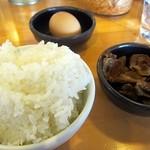 12521076 - ギョーザセット300円のライス・豚バラ100円・生卵無料