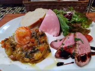 (La Fabbrica Della Pasta) Quel - 前菜、パン