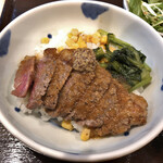 125215852 - 牛ステーキ丼 950円
