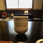 125217415 - 柔らかい白萩の筒茶碗