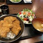 とんかつ政ちゃん - カツ3枚+サラダセット