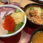 築地食堂源ちゃん - おまかせ海鮮丼と唐揚げセット
