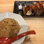 神虎麺商店  - Aセット (餃子4コ+半チャーハン) ¥380- (税込)