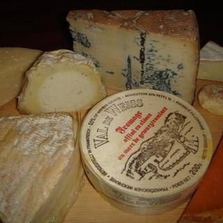 10種以上の熟成チーズをワインとご一緒にいかがでしょうか♪
