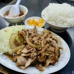 中国料理 登龍 - 焼肉定食(680円)