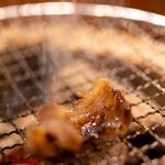 召膳 無苦庵 - 2020.1 炭火の七輪で猪バラ味噌漬けを焼いています