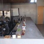 麺屋 しん道 - 定休日の店内