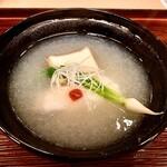 Sangencha - 椀物〜脂ののったノドグロを、あっさりとした蕪の摺流しで頂きます。熱々で京都らしい椀物は嬉しい。♫