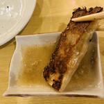 西安曹家 餃子坊 - お酢と白胡椒で