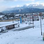 ラゥメン大地 - 秋田駅から望む太平山       一瞬の晴れ間