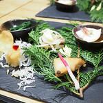 三喰撰酒 三重人 - ストーンプレート前菜と三重の山海の幸と季節の天婦羅
