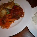 ヴァン・ド・リュー - 鶏胸肉のソテーバルサミコソース、南仏風野菜の煮込み